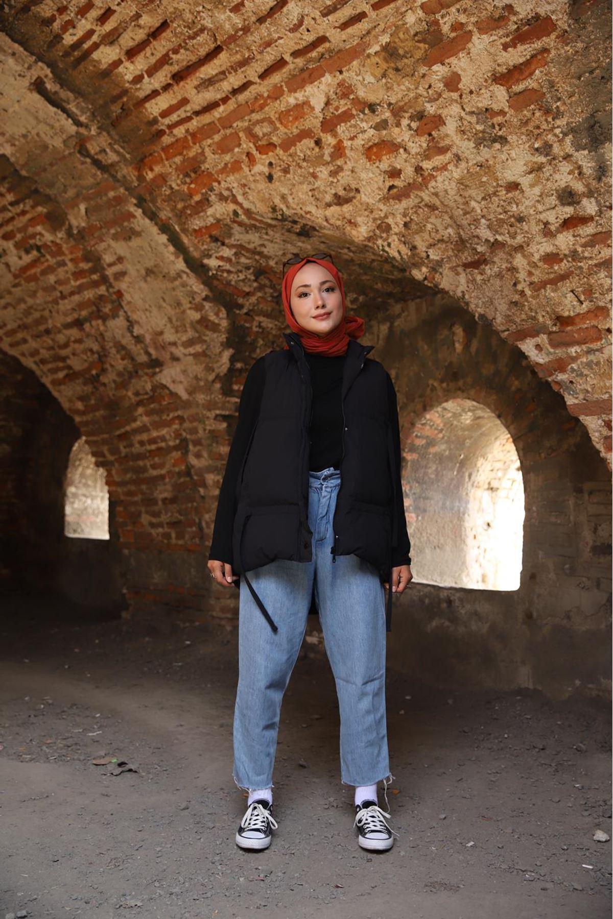 Rika Yelek  - siyah